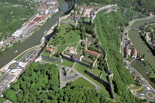 Vue aerienne de la citadelle de Besancon