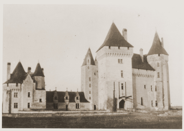 Chateau-Le-Coudray